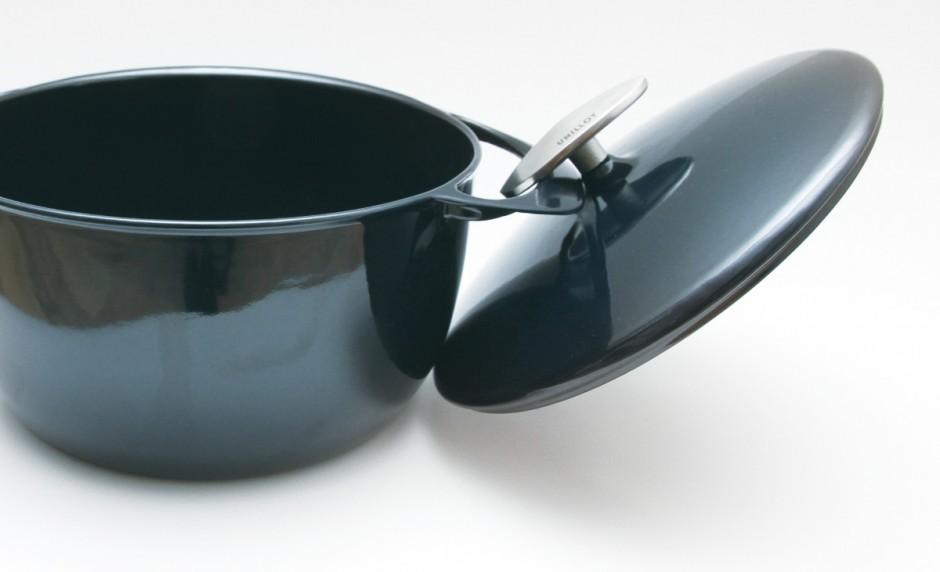 设计体贴的锅盖把手